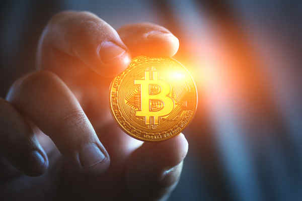ビットコイン 創始者を探れ