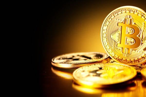 今話題のビットコイン、その使い道とは? ビットコインの基本、全て教えます!