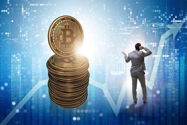 ビットコインは年末までに回復する?Tom Leeの予想も下方修正