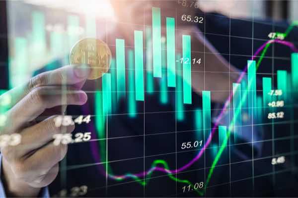 個人投資家がパニックの最中、機関投資家はビットコインを買い増ししている?