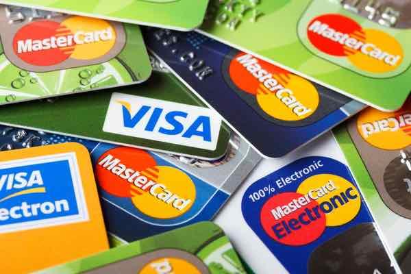 マスターカードとVISA、米国での手数料値上げを検討 仮想通貨への影響は?
