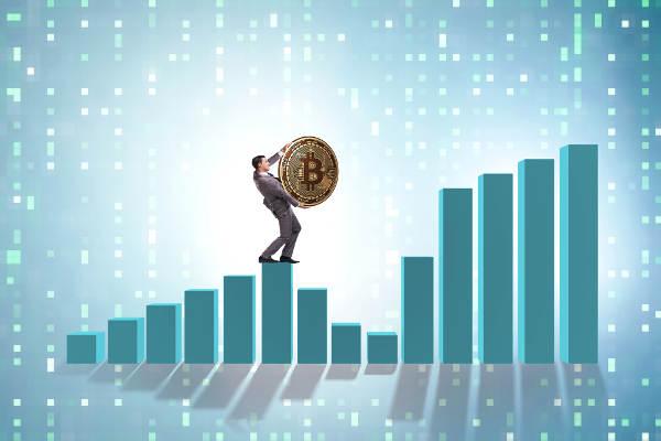 ビットコインは年末までに9,600ドルに到達か?