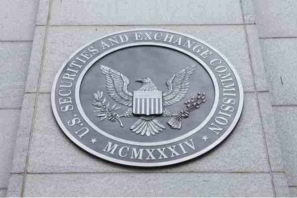 SEC3つのビットコインETFの可否判断延期を発表