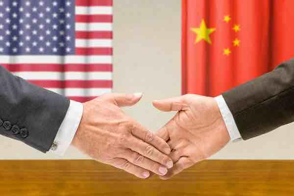 米中が追加関税の段階的な撤廃で合意 ビットコインは下落